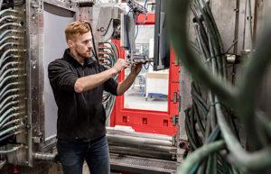 HSV technical Moulded Parts specialist in kunststof spuitgieten, kunststof schuimgieten van grote producten