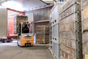 Slimme logistieke oplossingen die u geld besparen bij HSV Technical Moulded Parts